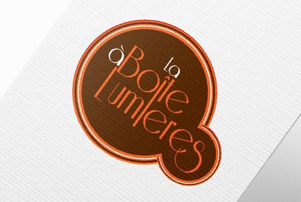 Logo la boîte à lumières